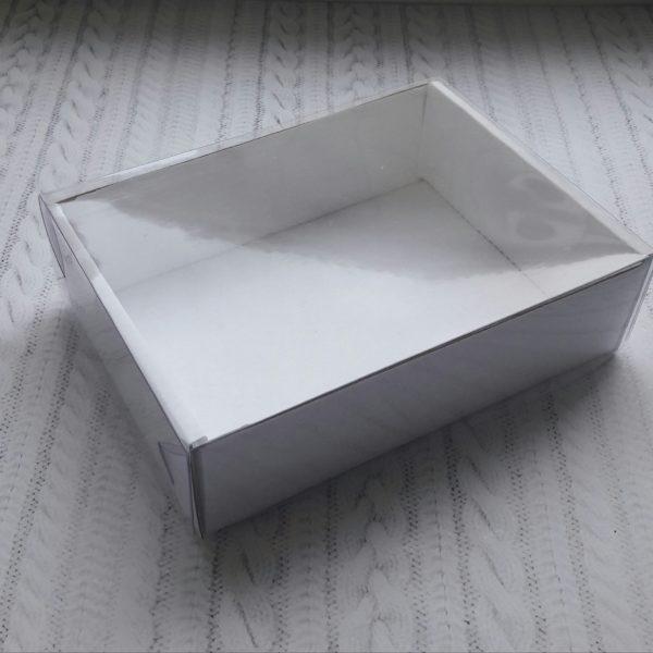 Podarochnaya-korobochka-razmer-16-11-45-sm