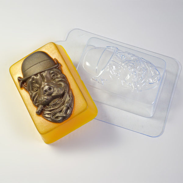 Plastikovaya-forma-Pes-s-sigaroj