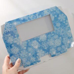 Коробочка голубая снежинки